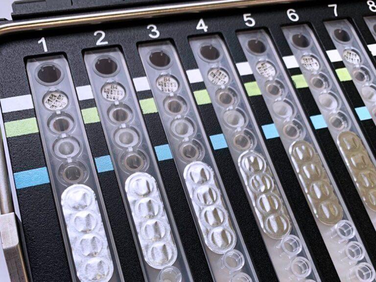 des-milliers-deprouvettes-de-depistage-du-covid-19-imprimees-en-3d-5